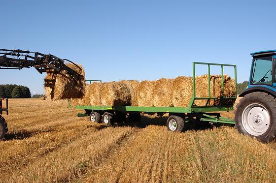 Прицеп для перевозки рулонов сена своими руками для трактора