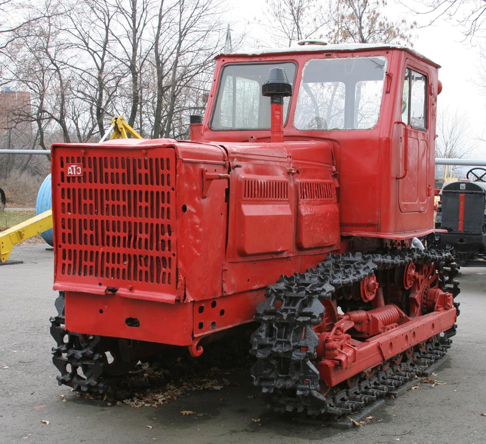 Трактор Т4. Технические характеристики