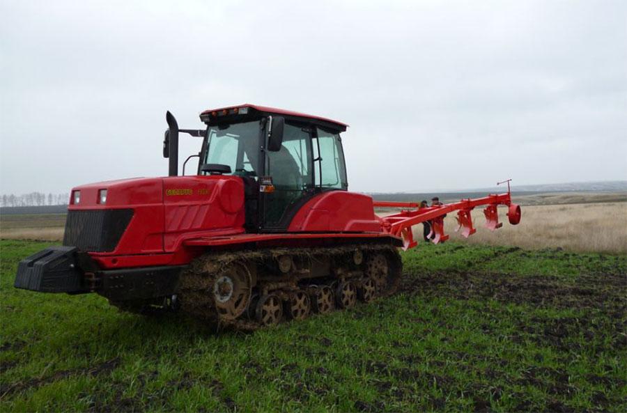 Кто придумал гусеничный трактор?