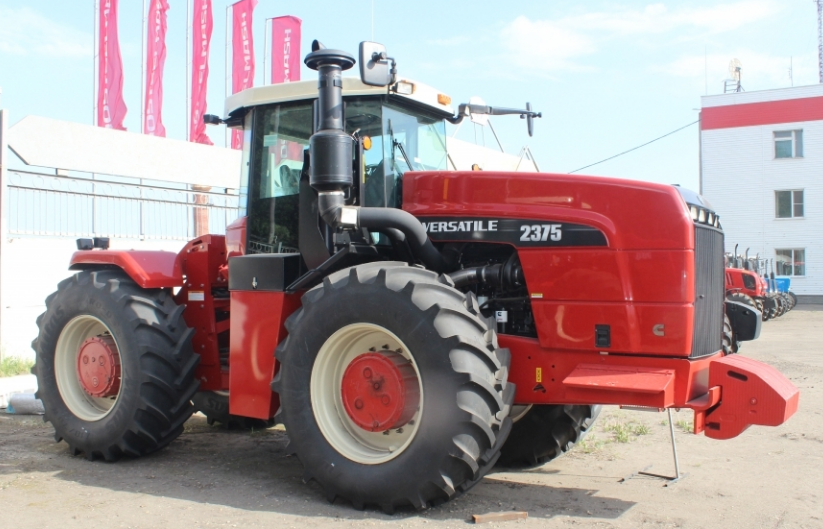 Трактор Buhler 2375