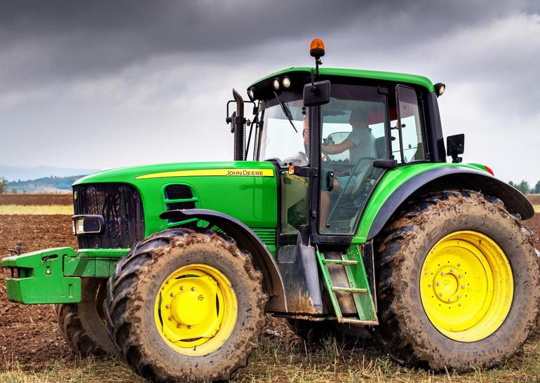Тракторы John Deere / Джон Дир