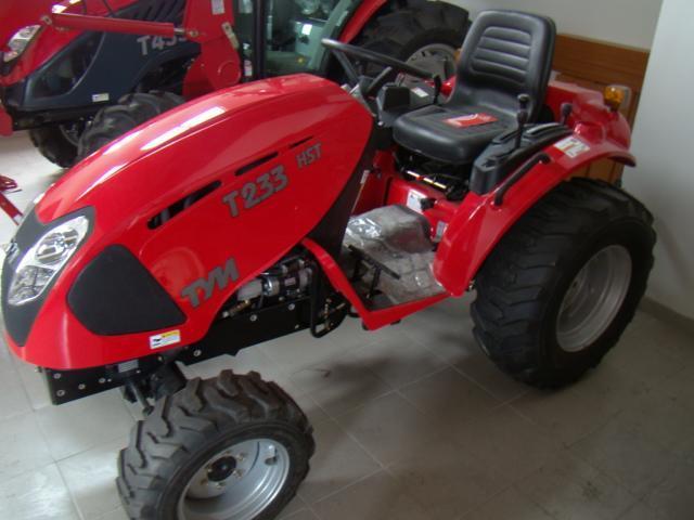 Трактор T233