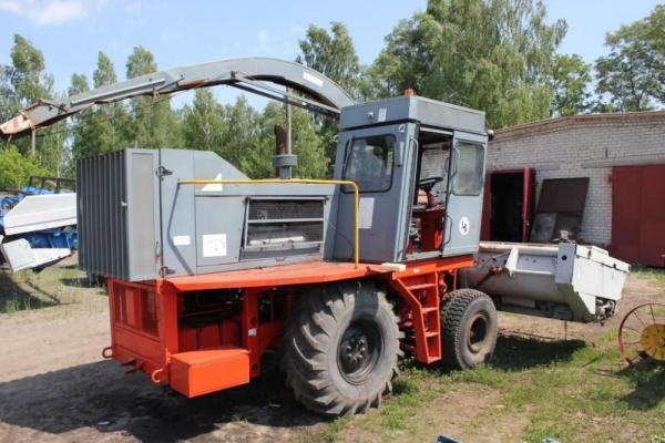 Кормоуборочный комбайн КСК-100А