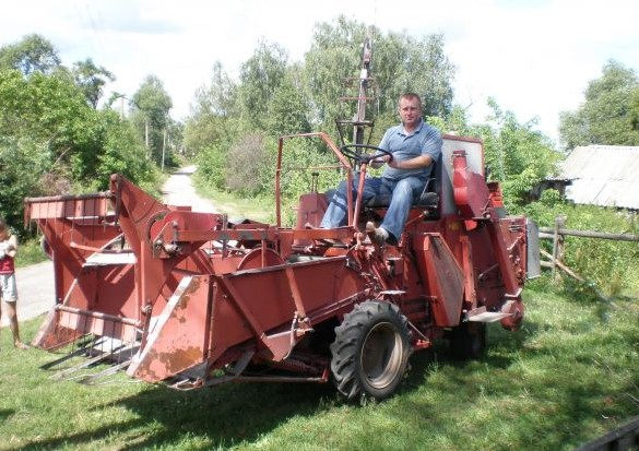 Самодельный комбайн для уборки зерна 140