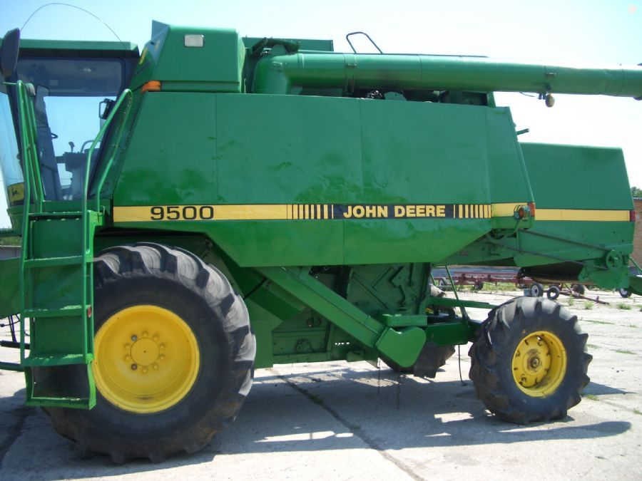 Комбайн «John Deere» 9500