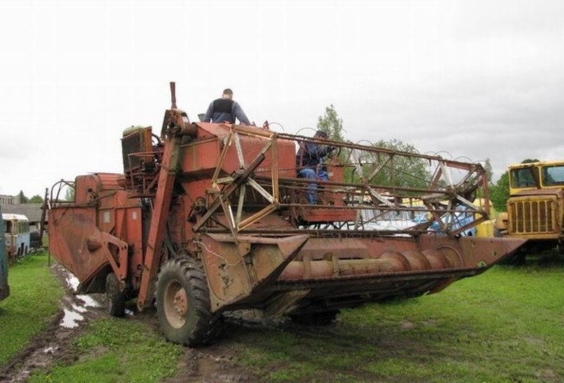 Зерноуборочный комбайн СК-4