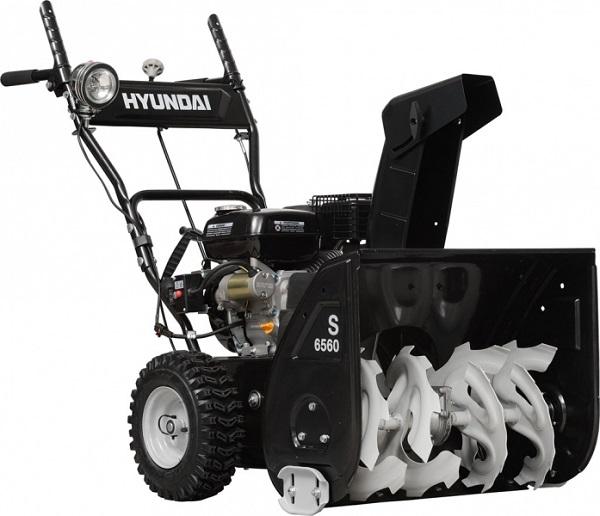 4 место - бензиновая снегоуборочная машина Hyundai S 6560