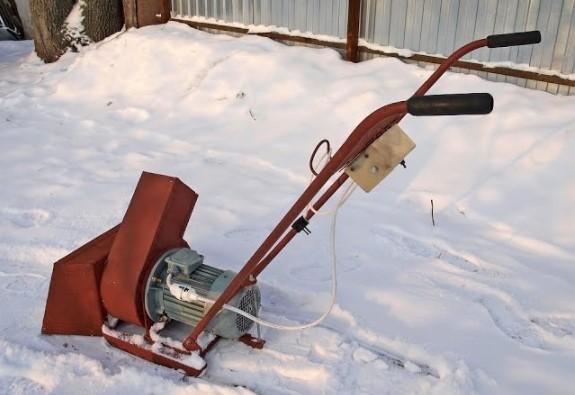Снегоочиститель из триммера своими руками