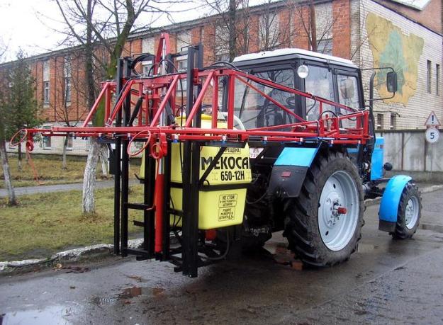 Устройство тракторных опрыскивателей