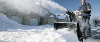 Достоинства и недостатки самоходных снегоуборщиков