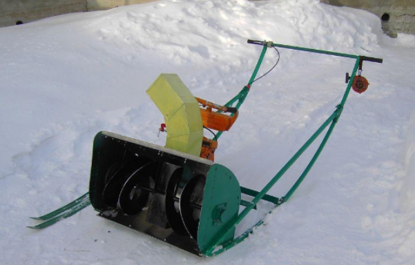 Снегоуборщик из бензопилы Урал, фото