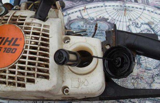 Бензопила Stihl MS 180 плохо заводиться на холодную