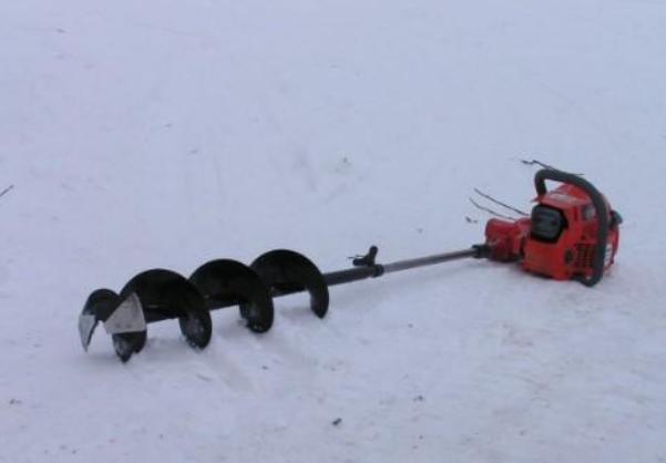 Насадка на бензопилу для бурения льда