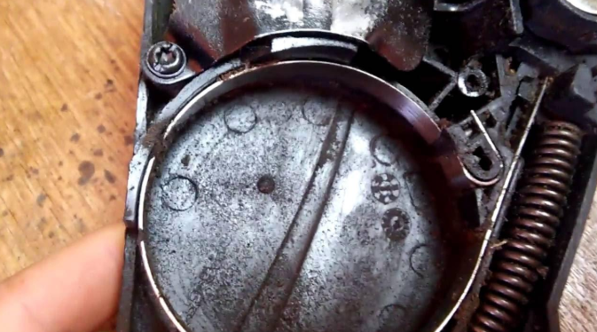 Почему не вращается цепь на бензопиле