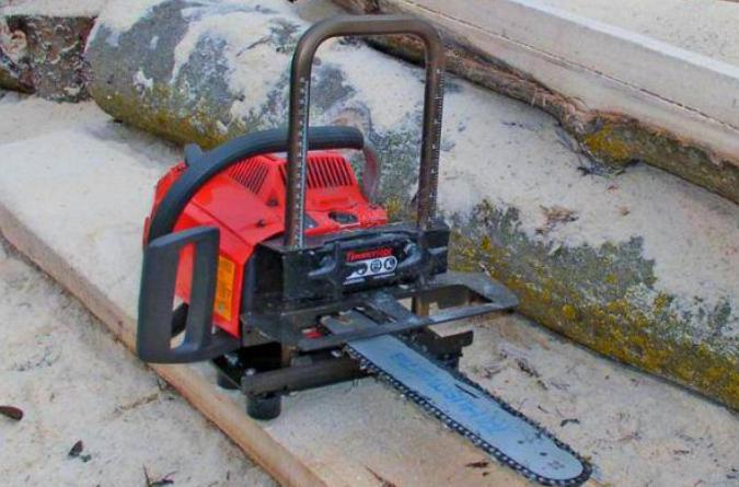 Способы крепления электропилы и древесины