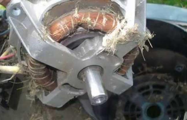 Устройство электрической газонокосилки