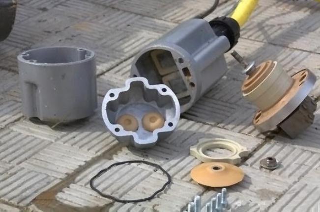 Достоинства вибрационных насосов, конструкция